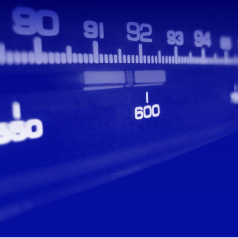 SÉANCE D'ÉCOUTE <br/> Mercredi 13 févr.● 19&nbsp;h&nbsp;00<br/> <em> Toutes les radios du monde </em> <br/>par Cristina Anghel