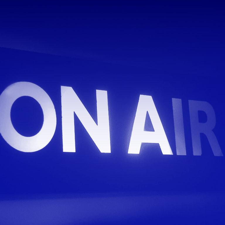 SOIRÉE <br/> Mardi 12 févr.● 19&nbsp;h&nbsp;00<br/> Lancement <em> <br/>PILULE #1 : La Radio </em> <br/> + <br/>Projection <br/><em>Berberian Sound Studio</em> <br/> de Peter Strickland