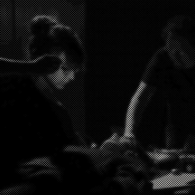 <br>RÉSIDENCE<br> <br> Janvier-Mars <br/> <br/><em>Table de massages sonore</em> <br>Mickaël Sévrain et Émilie Lafranceschina